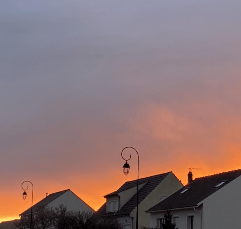 Soleil couchant orange sur Lissy